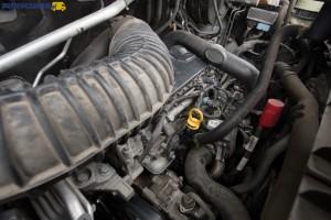 Wysokoprężny silnik 2.3 CDTI o mocy 125 KM wyposażono w jedną turbosprężarkę.