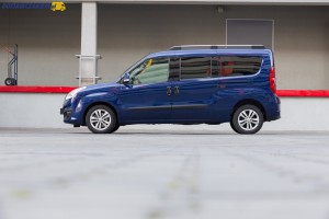 Na polskim rynku Opel Combo Tour Van z dłuższym rozstawem osi dostępny jest tylko w połączeniu ze standardową wysokością dachu.