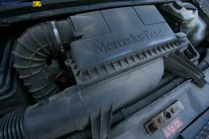 Bazowy wysokoprężny silnik o mocy 88 i 95 KM dostępny był tylko w dostawczych odmianach Mercedesa Vito W639.