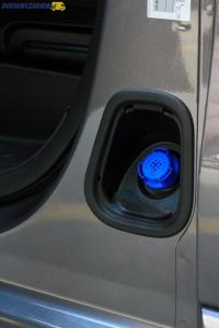 Wlew płynu AdBlue w Toyocie ProAce II generacji znajduje się przy drzwiach kierowcy.