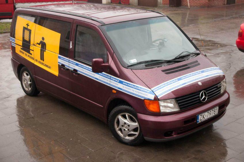 To jedyny w Polsce Mercedes Vito z konfesjonałem na pace