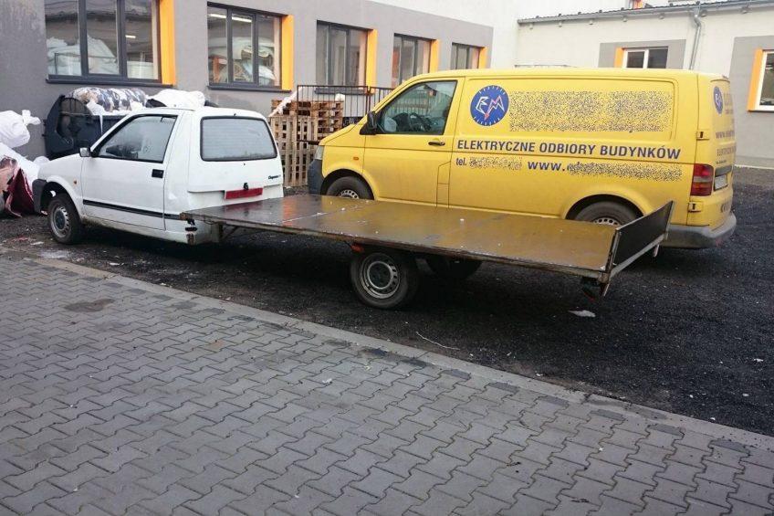 Fiat Cinquecento z platformą ładunkową – to jedyny taki egzemplarz