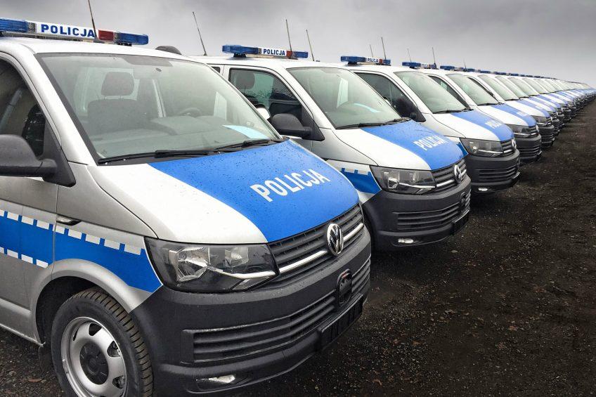 VW Transporter T6 2.0 TSI – 100 radiowozów dla polskiej policji
