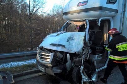 Wypadek na 262 km autostrady A4 – rannych 2 kierowców busów