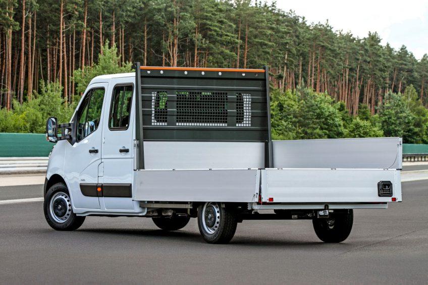Opel Movano B ma problem z fabryczną zabudową skrzyniową