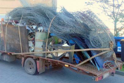 Iveco TurboDaily w afrykańskim stylu, czyli przewóz złomu autolawetą