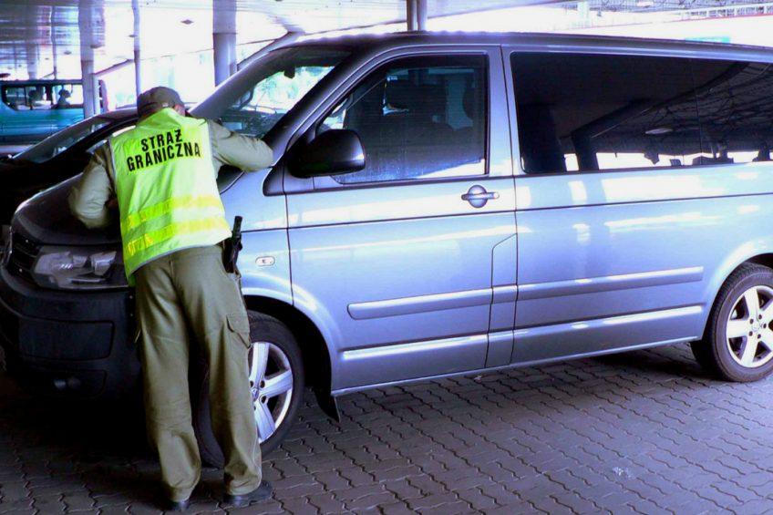 Skradziony w Rosji VW T5 odzyskany. Za kierownicą Niemiec