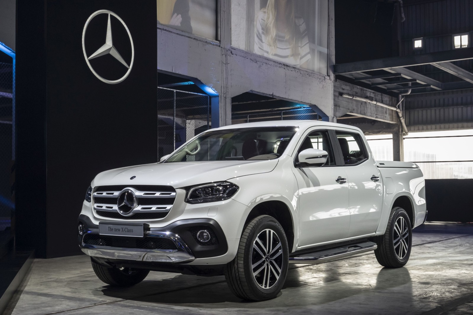 Mazda pick up autos post for Mercedes benz truck 2017 price