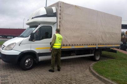 Zatrzymano skradzione Iveco Daily – kierowcę puszczono wolno