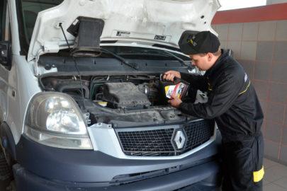 Olej silnikowy do samochodów dostawczych – porady eksperta