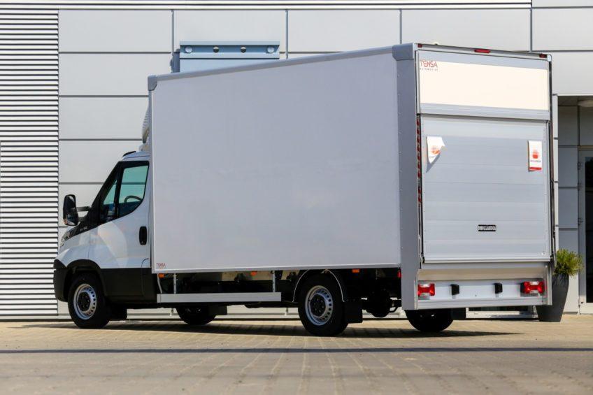 Super lekki kontener Tensa Automotive – ponad 1000 kg ładowności