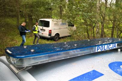Uciekał VW T5 przez dwa kraje – uszkodził BMW i niemiecki radiowóz