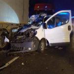 Wypadek na DK 12 – kierowca dostawczego Renault Trafic w szpitalu