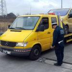 Mercedes Sprinter pomocy drogowej wiózł minibusa – wyszło 6 ton