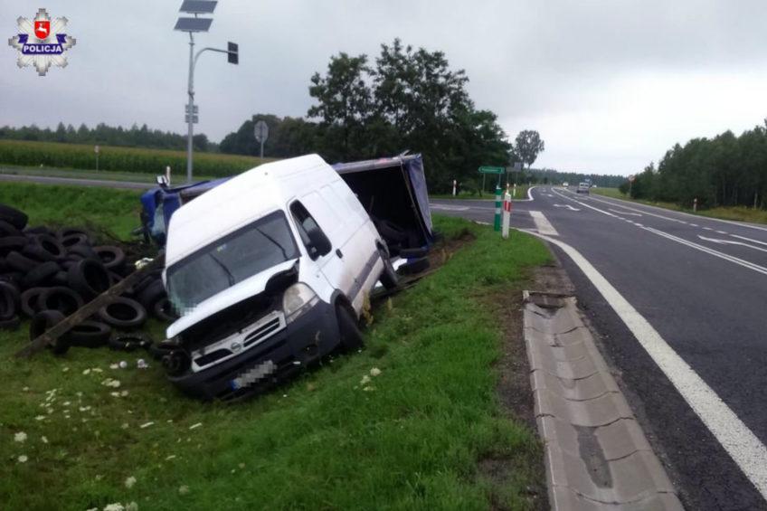 Jeden dostawczak wiózł pieczywo a drugi opony – obaj kierowcy ranni