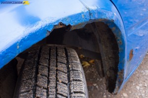 Korozja to największy problem Forda Transita IV generacji. Rdza atakuje nie tylko błotniki i progi, ale też elementy nośne pojazdu.