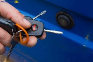 Trzy różne klucze do drzwi, wlewu paliwa, czy stacyjki to częsta przypadłość dostawczego Forda.