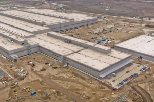 Tak w 48 tygodniu budowy wyglądał zakład produkcyjny we Wrześni, gdzie powstawać ma nowy Crafter.