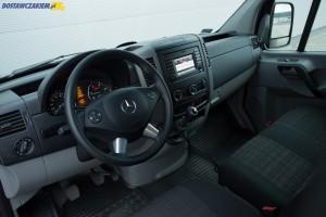 Wysoka jakość montażu i przestronne wnętrze kabiny pasażerskiej to niewątpliwe atuty Sprintera.