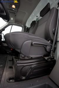 Trzeszczący podczas jazdy fotel kierowcy to największy mankament w 2-letnim Movano.