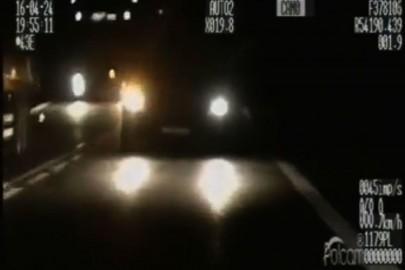 Mercedes Sprinter blisko czołówki z radiowozem (film)