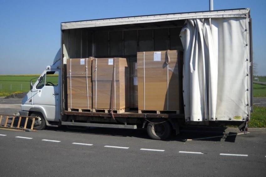 Wiekowe Renault Messenger ważyło 10 560 kilogramów!