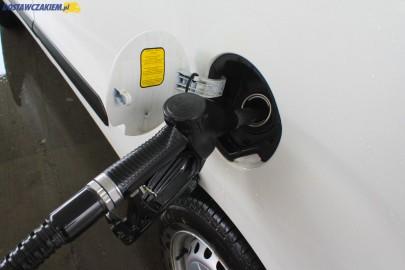 Diesel w granicach 4 zł za litr, drożeje też Pb95