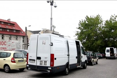 Policyjne Iveco Daily bazą Mobilnego Centrum Monitoringu