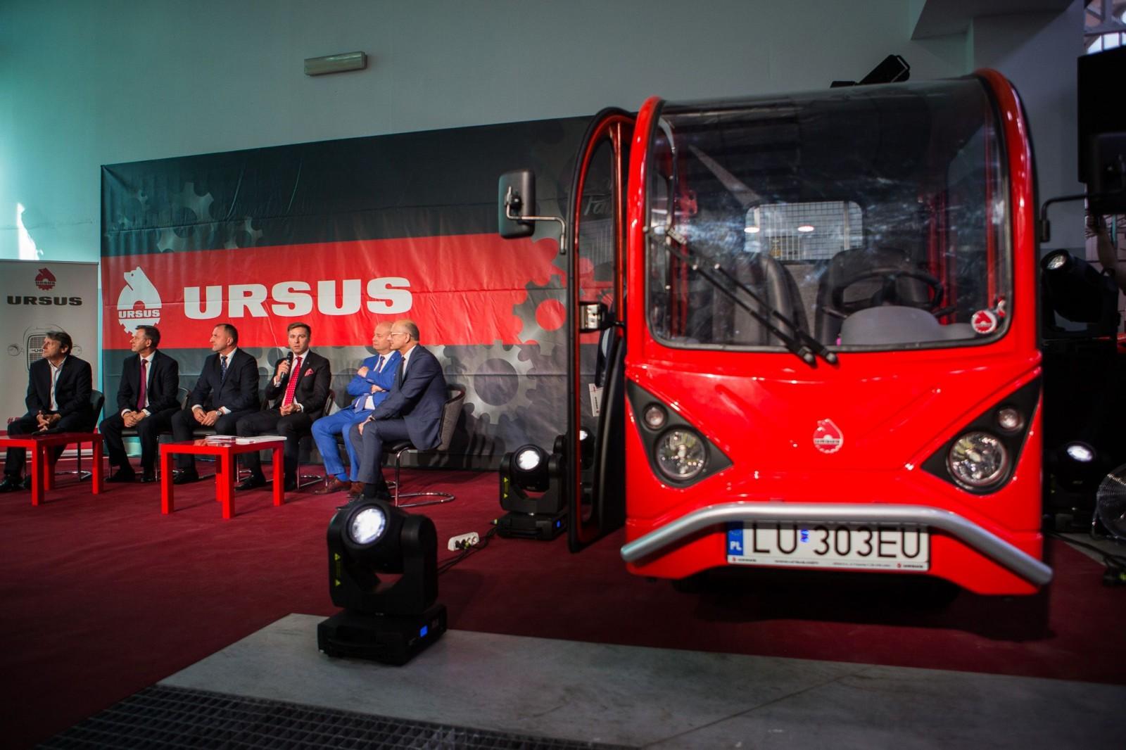 Groovy Dostawczy Ursus z elektrycznym silnikiem a nawet napędem 4x4 UZ94