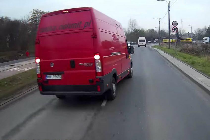Fiat Ducato Maxi kontra miejski autobus – zobacz wideo