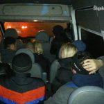 14 osób w 9-miejscowym busie. Kierowca Transita stracił prawo jazdy