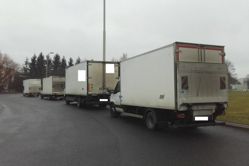 ITD Łódź: 4 z 8 skontrolowanych busów było przeładowanych