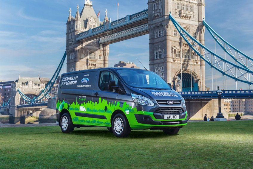 Hybrydowy Ford Transit Custom będzie testowany w Londynie