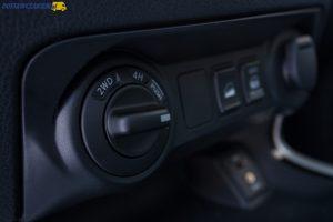 Test Nissan Navara dCi 190 pick-up uniwersalny (wideo, zdjęcia) pokrętło wyboru napędów