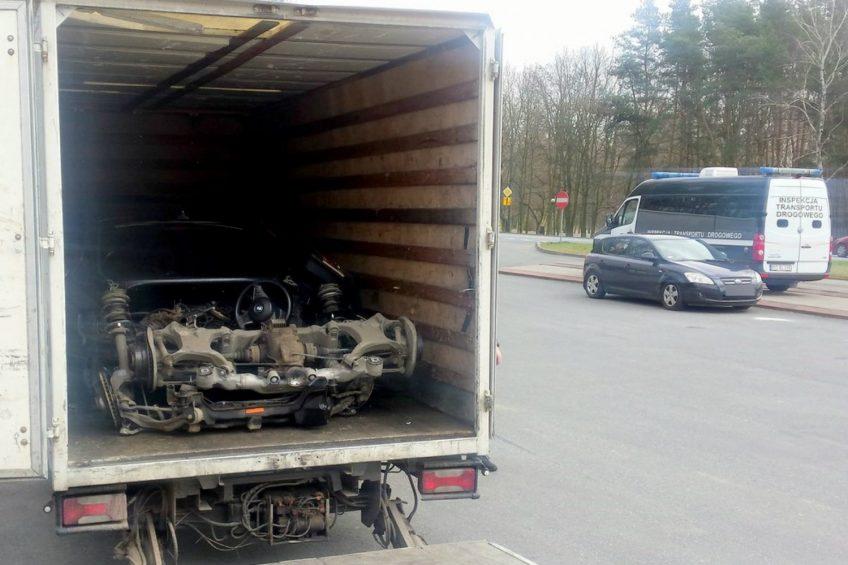 ITD Poznań – skradzione BMW odnalazło się na pace Iveco Daily