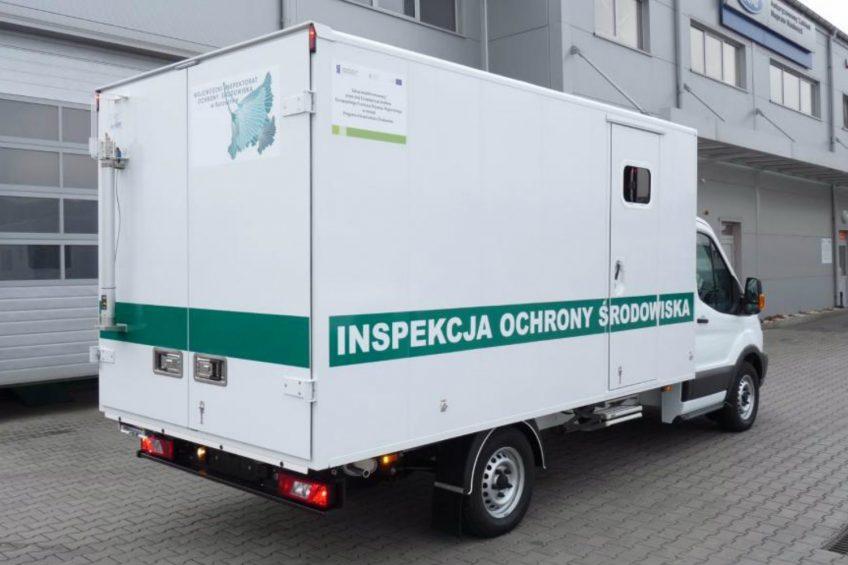 Rząd ogłosił przetarg na furgony, minibusy i pick-upy