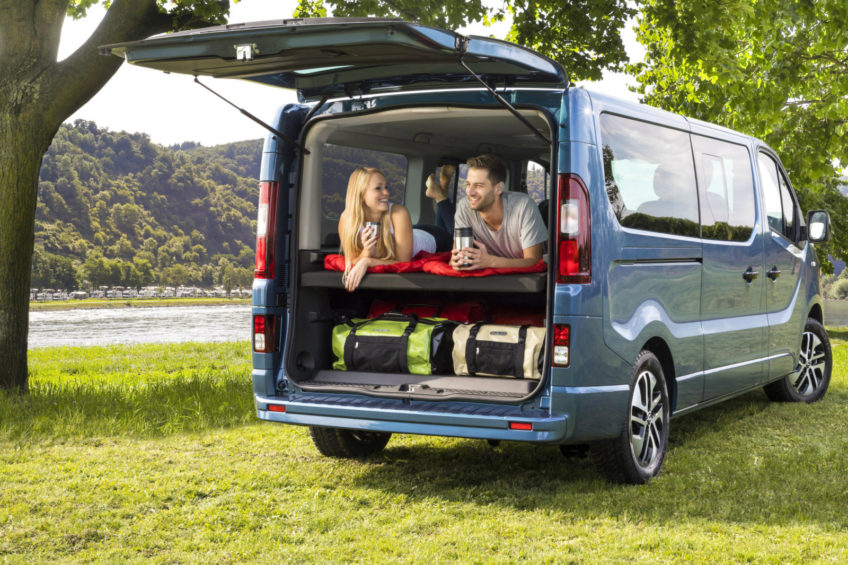 Opel Vivaro Life – nowy kamper na bazie minibusa