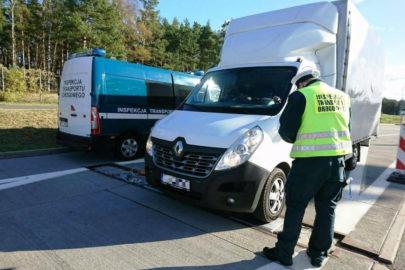 11 przeładowanych busów w kilka godzin – akcja ITD na A2