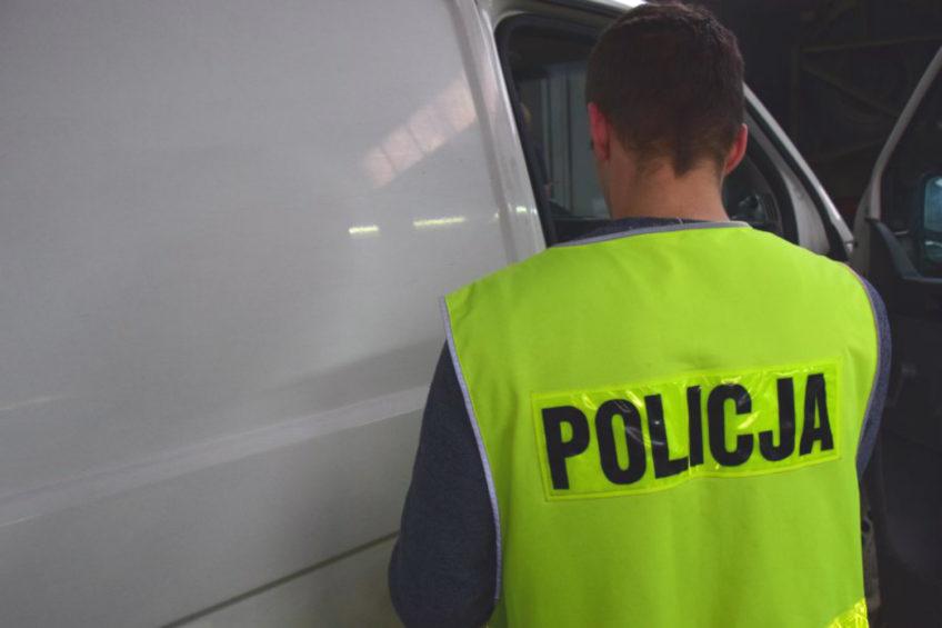 VW Transporterem uciekał przed policją – za kierownicą 18-latek