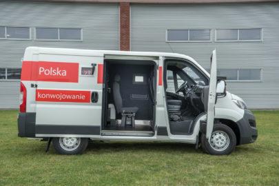 Bankowozy Citroën Jumper dla Poczty Polskiej z zabudową Carpol
