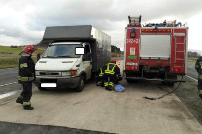 Iveco Daily z cieknącym paliwem skończyło na parkingu strzeżonym