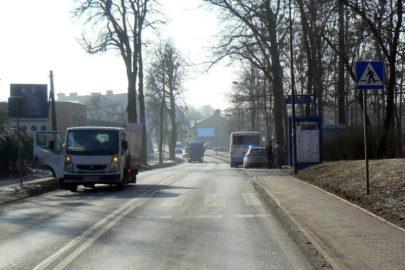 Z Renault Maxity odpadły bliźniaki – jedno z kół trafiło w człowieka