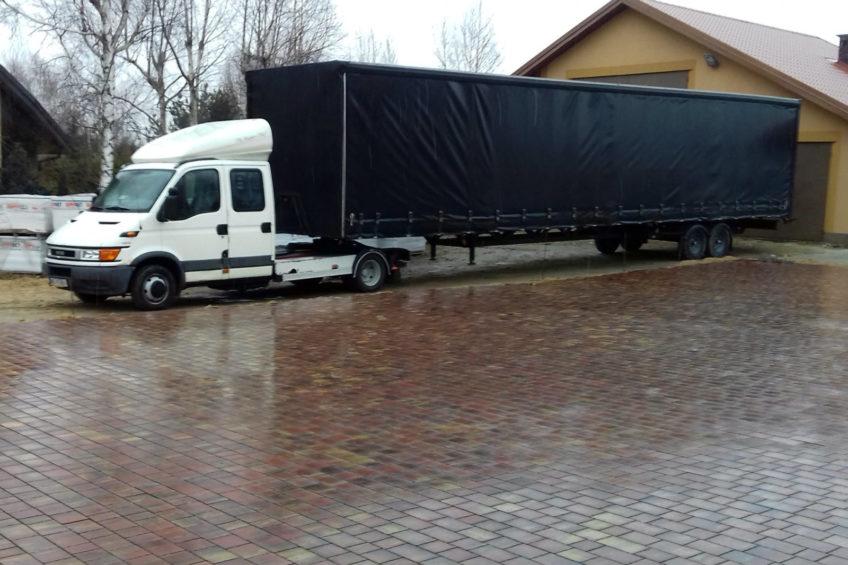 Iveco Daily z naczepą o długości 13,6 metra – oferta z allegro.pl