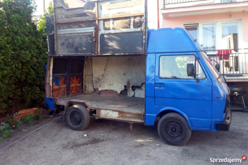 VW LT z otwieranym bokiem – nietypowy furgon jest do kupienia