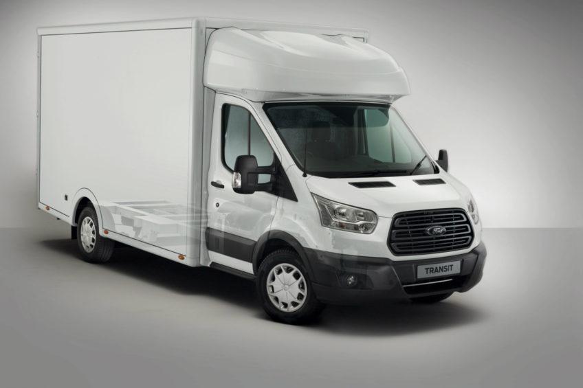 Ford Transit z nowym podwoziem i większą o 200 kg ładownością