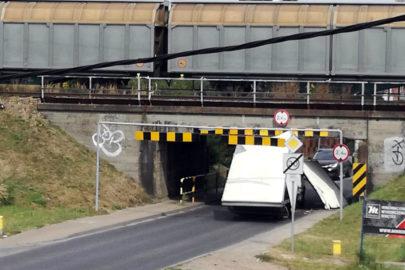 Daily z kontenerem pokonane – kolejna ofiara wiaduktu w Tychach