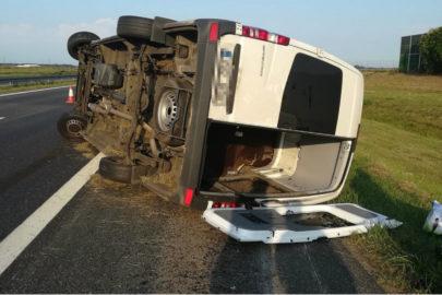 Kierowca Sprintera zasnął za kierownicą na A2 – 3 osoby ranne