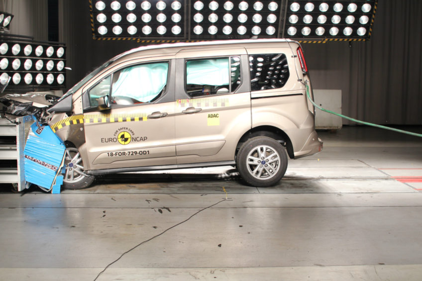 Ford Tourneo Connect z 4 gwiazdkami po crash testach Euro NCAP
