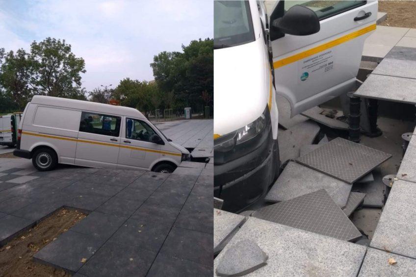 Volkswagen T5 wpadł w fontannę w Dąbrowie Górniczej