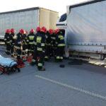 Na A1 Masterka wjechała w tył MAN-a – kierowca busa ranny